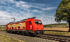 082_2018_09_28_Retzbach-Zellingen_6185_586_RHC_Lz_ ➡️ Würzburg (ruhrpott.sprinter) Tags: ruhrpott sprinter deutschland germany allmangne nrw ruhrgebiet gelsenkirchen lokomotive locomotives eisenbahn railroad rail zug train reisezug passenger güter cargo freight fret retzbachzellingen bayern unterfranken mainspessart brll byb db dbcsc dispo egp eloc hctor lm loc meg mt nesa öbb pkpc rhc rpool rtb sbbcargo slg setg xrail 0425 1016 1116 1211 1293 3364 5370 6139 6143 6145 6152 6155 6182 6185 6186 6187 6193 8170 logo natur outddor graffiti
