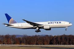 United Airlines  Boeing 777-222(ER) N209UA (widebodies) Tags: frankfurt main fra eddf widebody widebodies plane aircraft flughafen airport flugzeug flugzeugbilder united airlines boeing 777222er n209ua