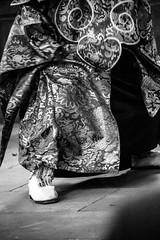 IMG_1630 (foretfantome) Tags: tibetan dance costume strasbourg tibet danse noir et blanc foret fantome guillermo gomez 5d mk 3 eglise church ethno bouddhisme