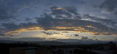 Salida del sol (2) (José M. Arboleda) Tags: salidadelsol amanecer paisaje panorama árbol bosque montaña cielo nube arrebol crepúsculo popayán colombia canon eos 5d markiv ef24105mmf4lisusm josémarboledac