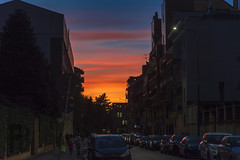 Milano in rosso (Fil.ippo) Tags: tramonto sunset milano milan cityscape colors sky clouds cielo nuvole reflection filippo filippobianchi d610 light nikon