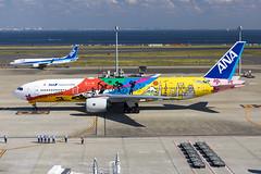All Nippon Airways | JA741A | B772 | HND (TommyYeung) Tags: allnipponairways ana nh ja741a boeing boeingcommercialairplanes boeing777 777200 boeing777200 777200er b772 extendedrange widebodyjetairliner widebodyjet widebody twinengine twinjet commercialjet fly flymachine aircraft airliner air airline airliners airlines airside taxing plane planespotting planephoto airplane aeroplane commercialplane transport transportphotography transportspotting japantransport canon canonphotography canoneos5d4 airtransport speciallivery specialscheme specialcolours tripleseven 777 hello2020jet tokyo2020 allnippon inspirationofjapan 全日本空輸 ぜんにっぽんくうゆ 全日空 hnd tokyointernationalairport hanedaairport 東京国際空港 羽田空港 とうきょうこくさいくうこう rjtt 羽田 ぜんにっくう