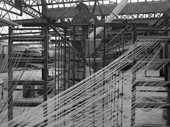 """weaving mill I (conspectus_bs) Tags: marode zerfall ruine brache verfall verlassenerort épuisé péremption abaissement déchéance dégradation désintégration dislocation délabrement friche ailing decay deterioration ruins lostplace urbex urbanexploration urbanexploring abandoned conspectus wasteland nohdr mediumformat 6x45 film analog analogue sekorc mamiya 645 ilfordxp2super """"bw"""" """"nb"""" """"sw"""" """"black white"""" """"noir blanc"""" """"schwarz weis"""" weberei usinedetissage lafabriquedetissu"""