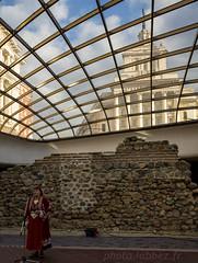 Sofia, Bulgarie (louis.labbez) Tags: 2018 novembre europe bulgarie sofia ue labbez folklore chant chanteuse femme woman costume monument architecture ville bulgaria ruine mur rome roman romaine archéologie archeology remain wall