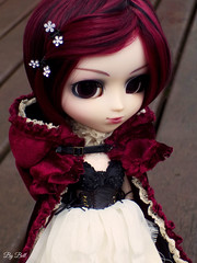 Moon (♪Bell♫) Tags: pullip bloody red hood groove doll