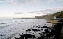 Whitby Beach (boloveselvis) Tags: kodak gold 200asa 35mm 36 exp single