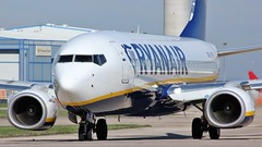 EI-FRP (AnDyMHoLdEn) Tags: ryanair 737 egcc airport manchester manchesterairport 23l