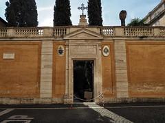 Entrance (Paramedix) Tags: vatican vatikan italy italien camposantoteutonico