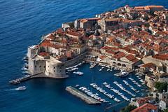 Dubrovnik, Croatia (pas le matin) Tags: dubrovnik croatie croatia hrvatska europe europa travel voyage world city ville cityscape boat bateau port harbour canon 7d canon7d canoneos7d eos7d