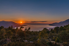 When the sun goes down (Vagelis Pikoulas) Tags: sun sunset porto germeno greece europe winter january 2019 canon 6d tokina 1628mm landscape sea seascape nature tree trees sunburst