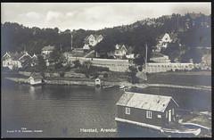 postkort fra Agder (Avtrykket) Tags: bolighus brygge båt hus postkort sjekte sjøbod stabbestein vei arendal austagder norway nor