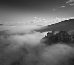 brumes et nuages (serjinta) Tags: bw noir et blanc brume nuages entre ciel terre paysage contraste blackandwhite étrangeté groupenuagesetciel