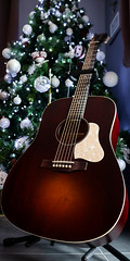 Red strings (Tehuri) Tags: guitar christmas red tehuri music instruments