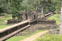Angkor_Baphuon_2014_04