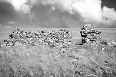 Burra Ruins (Kev Peirce) Tags: ruins old decay sky blackandwhite