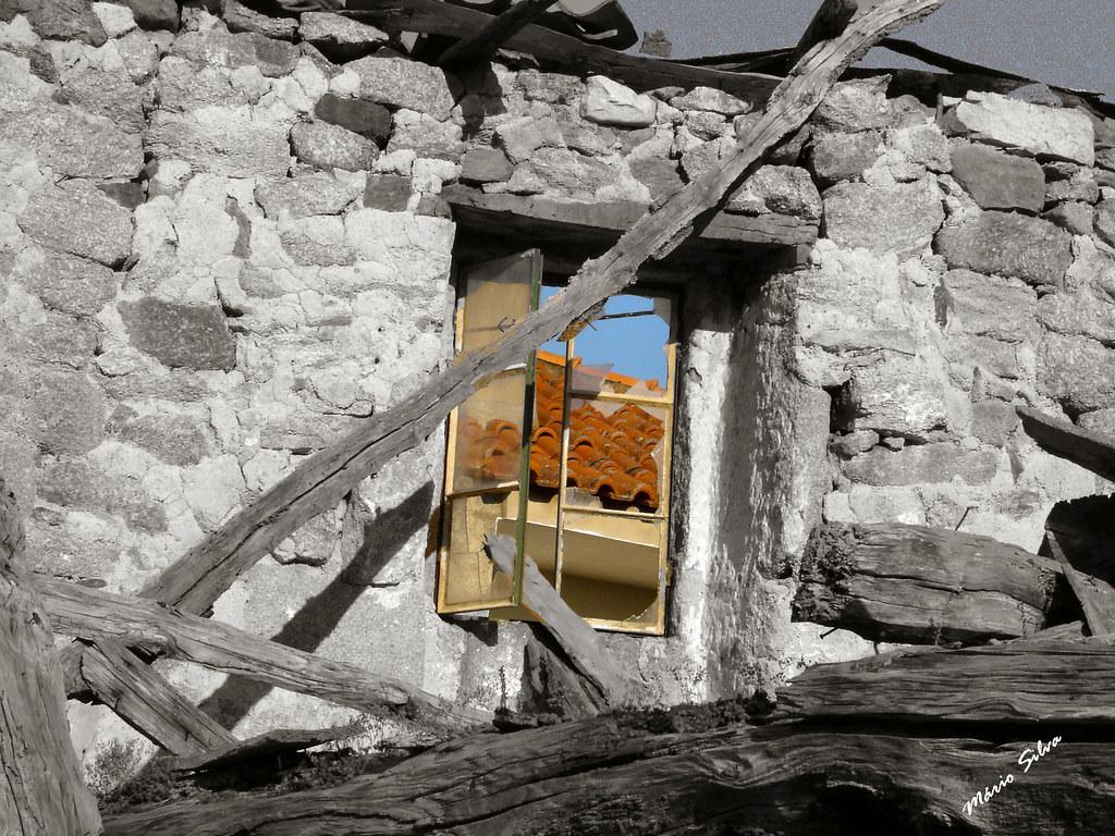 Águas Frias (Chaves) - ... a janela do passado para o futuro (?) ...