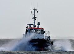 Pilot Pagensand (Bernhard Fuchs) Tags: boat cuxhaven elbe lotse lotsenschiffe nikon pilot schiffe ship ships pilotvessel vessel water boot schiff meer wasser lotsenversetzboot