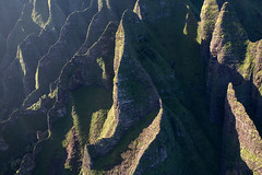 Eroded Hills, Na Pali Coast (Sophie Carr Photography) Tags: helicopter fromtheair fromabove lookingdown napalicoast napali kauai hawaii erosion geology