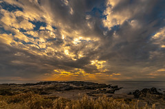 Autumn coast (dayonkaede) Tags: 1735mm f284 nikon d750 tamron a037n sunset sky sea bay water
