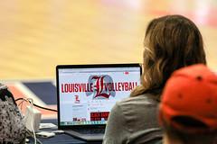 Louisville Tweeter (RPahre) Tags: socialmedia universityoflouisville twitter laptop huffhall huff champaign illinois ncaa volleyball