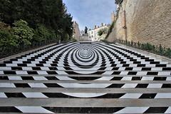 Anamorphose blésoise (hervétherry) Tags: france centrevaldeloire loiretcher blois canon eos 7d efs 1022 loire escalier denis papin statue anamorphose perspective