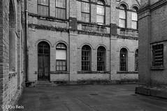 Múseu da Companhia Paulista de Trens Metropolitano - Jundiaí (elcio.reis) Tags: arquitetura museu nikon blackwhite vintage bw pb architecture jundiaí sãopaulo brazil br