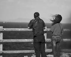 Nice outlook (Christophe-la) Tags: japan japon okinawa 沖縄県 ウチナー okinawaken uchinaa 残波岬 cape capezanpa zanpa zanpacape couple streetphotography blackwhite blackandwhite noiretblanc