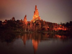 Rivers of the far west (G.Billon) Tags: 1242019 cameraphone iphoneography iphone parcdattraction disney disneylandparis riversofthefarwest gbillon