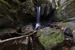 Ein Wasserfall in Schwarzwald (ibrahimissa1) Tags: nikond7200 nikon macro macroobjektiv 40mm schwarzwald badenwürttemberg germany deutschland wasserfall landschaft langebelichtungszeit natur