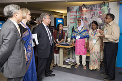UNSG and World Bank President listen to women garment workers (ILO in Asia and the Pacific) Tags: bangladesh garment jimyongkim antónioguterres workers workingconditions rmg worldbank un empowerment women