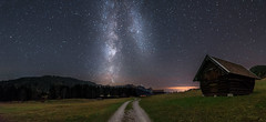 Wanderung zur Milchstraße (louhma) Tags: gerold geroldsee milkyway milchstrase bavaria bayern deutschland stars longexposure long exposure night nightsky nightphotography nikon d750 hütten weg clouds lights