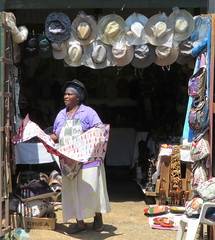 Tourism business (__ PeterCH51 __) Tags: shop poeple smallbusiness touristbusiness touristshop dailylife streetshop streetlife pilgrimsrest mpumalanga southafrica za peterch51 souvenirshop