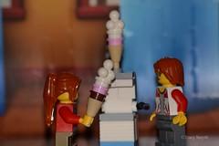 Ice cream (348/365) (Tas1927) Tags: 365the2018edition 3652018 day348365 14dec18 lego minifigure minifig