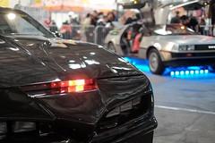 K2000 Pontiac VS De Lorean (sebastienvillain) Tags: fujifilm fuji fujifeed xe2 xseries xf35mm herofestival car voiture cars voitures pontiac k2000 delorean dmc