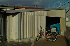 20190121_SDIM6210 (NAMARA EXPRESS) Tags: street bicycle vehicle warehouse daytime winter fine outdoor color toyonaka osaka japan spp spp661 foveon x3 sigma dp2 namaraexp