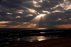 Instant of communication... (Raquel Borrrero) Tags: heaven sea light clouds sunlight sunrays rocks ocean sky cielo océano mar rocas sunset winter invierno