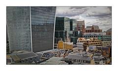 Les toits de Londres (Jean-Louis DUMAS) Tags: bâtiment building londres london artistique frame abstrait abstraction abstract artistic art architecte architectural architecture architect lignes géométrique design tower tour city londoncity