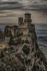 San Marino (66Colpi) Tags: sanmarino torre fortezza titano panorama landscape emiliaromagna nuvole rocce nebbia foschia storia borgo medioevo merli