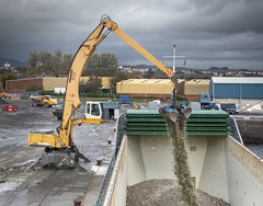 JLW Solutions Liebherr 944 Material Handler (Scottish Photography Productions   David Pollock) Tags: glass recycling mv saga bank clydebank glasgow scotland jlw solutions material handler liebherr 944 marine maritime river clyde rothesay dock