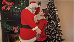 *I want to keep you forever. You are my most cherished Christmas present. Merry Christmas, my love* ❤ (Ⓐⓝⓖⓔⓛ (Angeleyes Roxley)) Tags: christmas present santa june jonathan piggu tree love sl secondlife avatar couple mistletoe