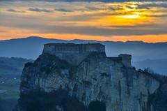 Sunset in San Leo (Skiwalker79) Tags: sanleo italy italia crestadeitausani emiliaromagna landscape sunset tramonto panorama nikon d5100