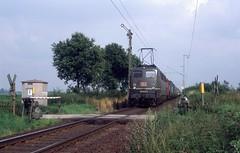 Boisheim (D), Rufschranke (Ahrend01) Tags: rufschranke overweg intercom armsein db klassieke beveiliging baureihe 140