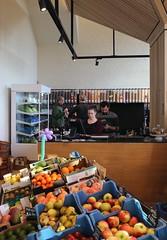 1e verjaardag De Smidse Leuven (17/11/2018) (Kristel Van Loock) Tags: desmidse leuven foodhall foodmarket de smidse louvain lovanio lovaina löwen visitleuven seemyleuven atleuven 17november2018 17112018 toerismevlaanderen toerismevlaamsbrabant toerismeleuven leuvencity leuveninbeeld vlaanderen vlaamsbrabant visitbelgium visitflanders visitflemishbrabant flanders fiandre flandre flemishbrabant brabantflamand brabantefiammingo httpwwwdesmidseleuvenbenl feestweekend 1e verjaardag 1jaardesmidse sluisstraat contentleuven 1jaarcontent zerowasteshop verpakkingsvrijevoedingswinkel verpakkingsvrijewinkel zerowasteshopping fruit frutta biofruit versfruit