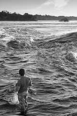 São Gabriel da Cachoeira-AM (Johnny Photofucker) Tags: sãogabrieldacachoeira am amazônia amazon amazonas brasil brazil brasile pesca pescador fishing rionegro preto branco black white nero bianco monochrome noiretblanc lightroom bw pb 24105mm people povo gente