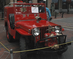 1947 Willys Jeep (D70) Tags: 1947 willys jeep annualsteamworks concoursdelegance 2005 gastown vancouver britishcolumbia canada back up pumper brush fire vehicle wvfd westvancouver firedepartment