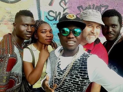 @Sekouflow 🎤 #rapper #cantante #elettronica #rap #hihop 🎧 @pescirossi #CARA 🎥#elettritv💻📲 #sottosuolo #pace #musica #bambarà 🎑 #musicaoriginale #rifugiati #webtvmusicale #webtv #peace :rainbow