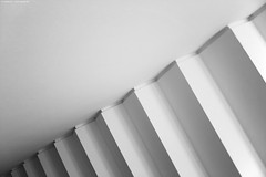 Münster 3863 (KnutAusKassel) Tags: architektur architecture building gebäude abstrakt abstract lines linien treppen stairs bw blackandwhite blackwhite nb noirblanc monochrome black white schwarz weiss blanc noire blanco negro schwarzweiss grey gray grau einfarbig