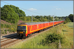 325006, 1S96 (Jason 87030) Tags: mail royal shieldmuir railney 325006 class325 emu electricmultipleunit roasde loop northampton northants northamptonshire lineside july 2009 red 1s96 stamps postage tren train railway location miltonmalsor trees green leccy trio buiscuit chocolate canon eos wheels transport cargo uk england