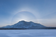 22 Degree Halo (Paul B Jones) Tags: waterton 22degreehalo sun ring halo ice crystals sky phenomenon winter watertonlakesnationalpark alberta canada canoneos5dmarkiv ef1124mmf4lusm canon1124mm sunrise morning 22°halo