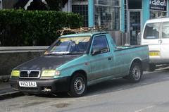 1999 Skoda Felicia 1.9D Pickup (occama) Tags: v452eaj 1999 skoda felicia 19d diesel pickup rat look old green cornwall uk vag